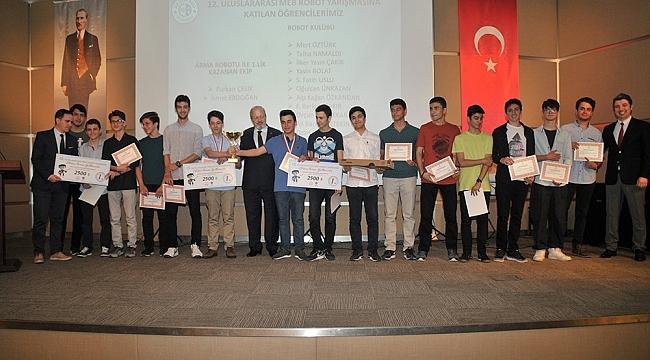 ASO Teknik Koleji'nde Karne Heyecanı
