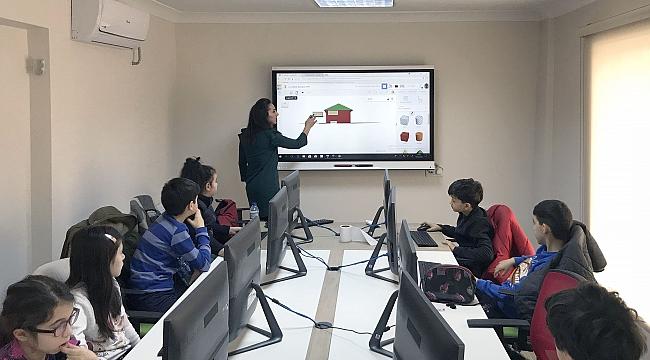 Çocuklara Yönelik Teknoloji Kampı