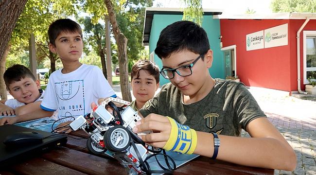 Teknoloji Üreten Çocuklar