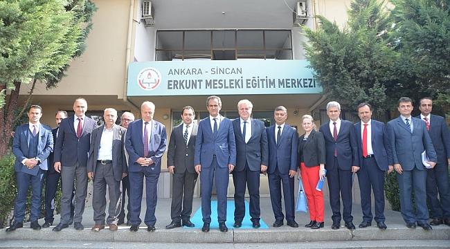 MEB Bakan Yardımcısı Özer'den ASO Okullarına Ziyaret