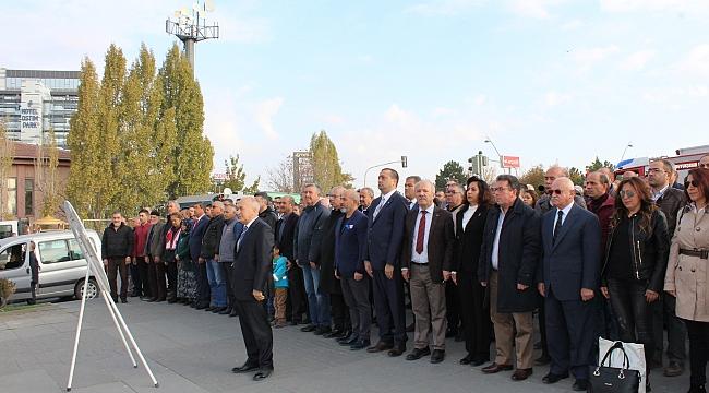 Sanayiciler Ostim Meydanı'nda Atatürk'ü Andı
