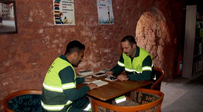 Çöpten Çıkan Kütüphane 25 Bine Ulaştı