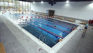 Yarı Olimpik Havuz Tam Kapasite Hizmet Veriyor