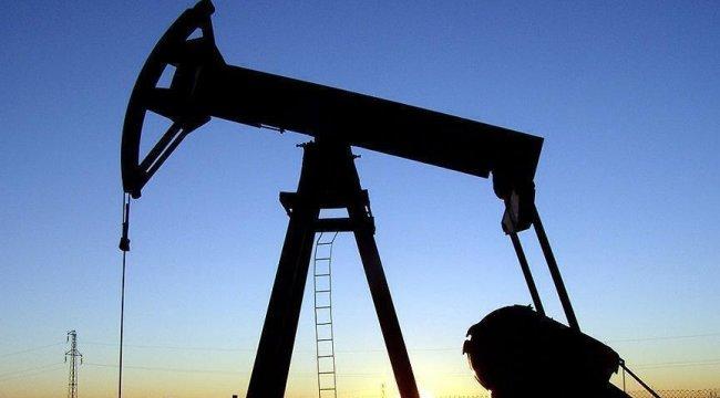 Petrol fiyatları düştü, altın yükseldi